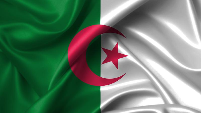 Algérie: 2 morts dans des heurts entre des protestataires et des forces de l'ordre dans l'Ouest
