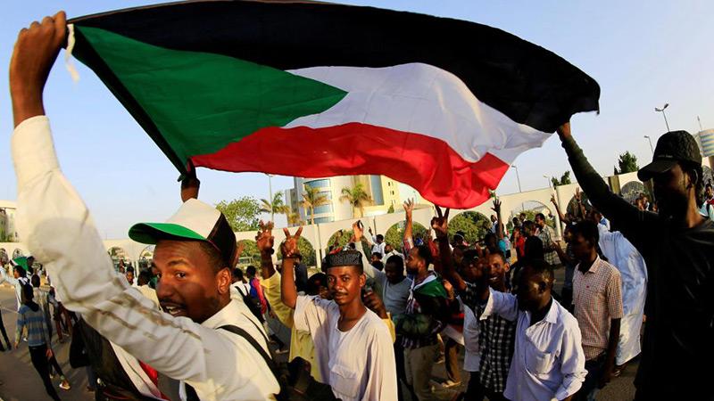 Soudan: le chef du nouveau Conseil souverain intronisé