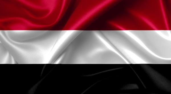 La force balistique de l'armée yéménite tire un missile sur un rassemblement des forces de l'agression saoudienne à Maareb