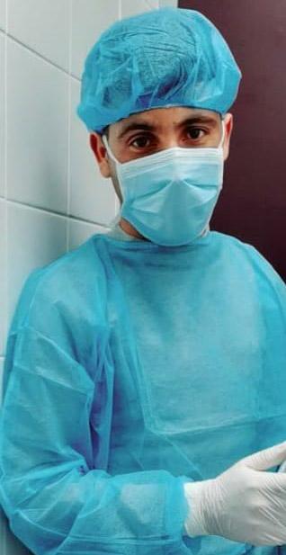 Les agents de propreté hospitalière, soldats anonymes de la guerre contre le coronavirus
