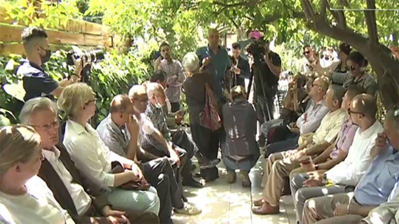 Des consuls européens se sont rendus auprès des familles palestiniennes menacées d'éviction dans le quartier du Cheikh Jarrah